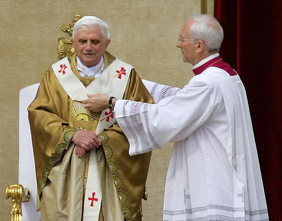 Paus Benedictus XVI tijdens zijn inauguratie