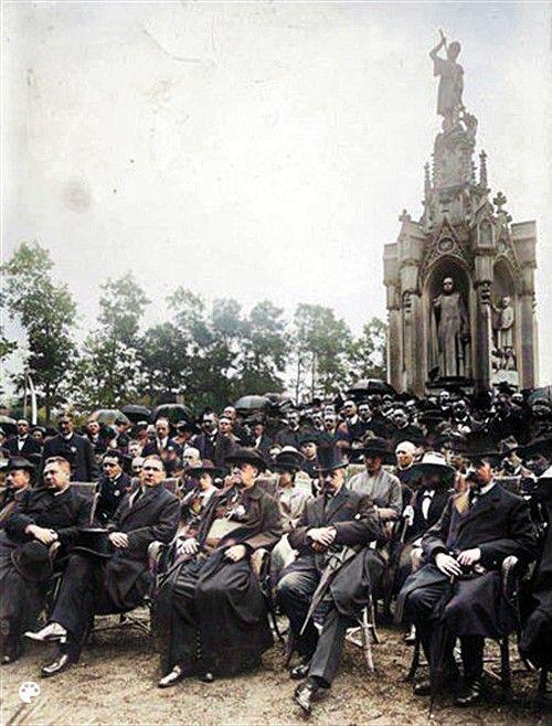 Deelnemers aan de eerste Nederlandse Katholiekendag in 1919 in Driebergen