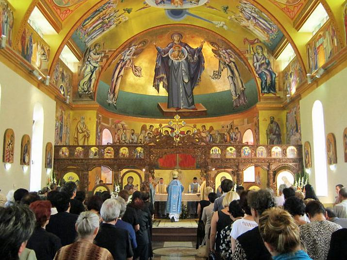 Viering van de Goddelijke Liturgie in de kathedraal van Strumica
