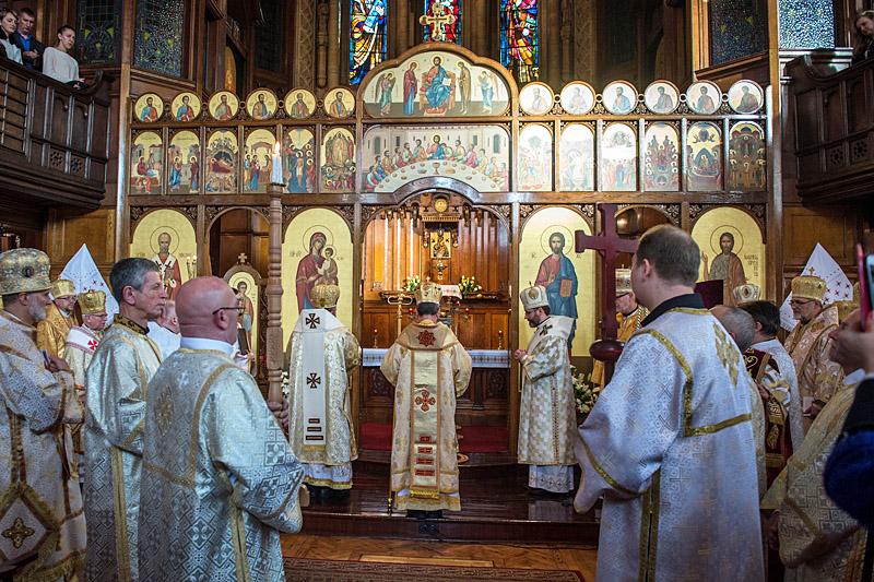 Viering in de Oekraïens Grieks-katholieke kathedraal in London