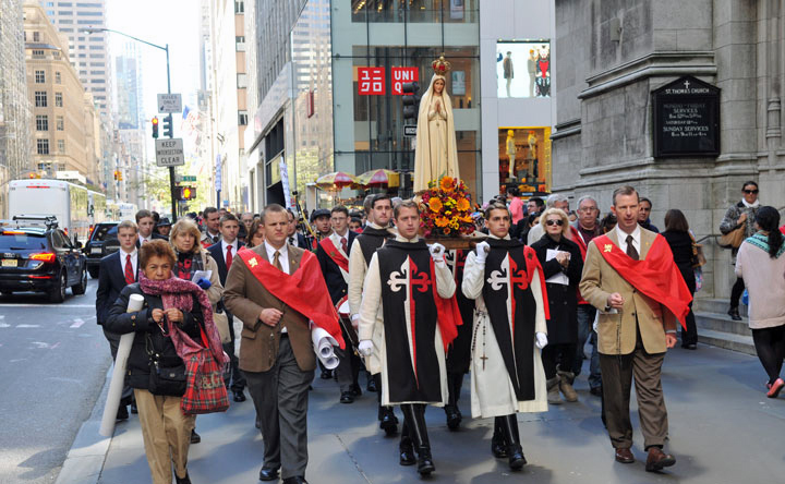 Tradition, Family, and Property in processie