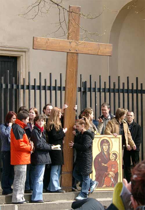 Het kruis en de Maria-icoon van de Wereldjongerendagen